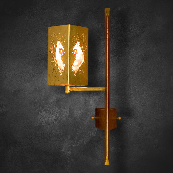 pandia-angels-gold-ON-single-sconce